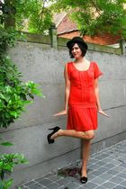 orange dress - black hat - black shoes