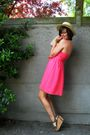 Pink-dress-brown-shoes-yellow-hat-yellow-necklace