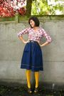 Red-shirt-blue-skirt-yellow-tights-brown-shoes-brown-belt
