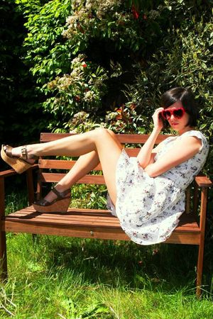 white dress - brown shoes - red glasses