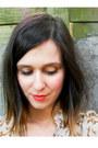 Beige-blouse-navy-skirt-dark-brown-clogs-aquamarine-necklace
