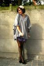 Gray-sweater-purple-skirt-black-shoes-beige-accessories-black-tights