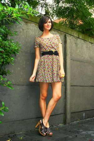 yellow accessories - brown shoes - yellow dress - black belt