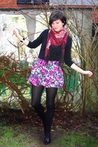 pink skirt - black top - black tights - black shoes - red scarf
