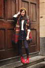 Red-boots-gold-hat-ivory-sweater-carrot-orange-scarf-navy-skirt