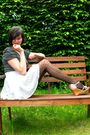 Blue-skirt-pink-shoes-black-top-black-tights