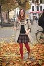 Forest-green-sweater-bronze-boots-ruby-red-tights-navy-skirt