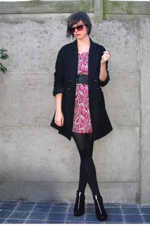 pink dress - black coat - black shoes - black belt - black glasses