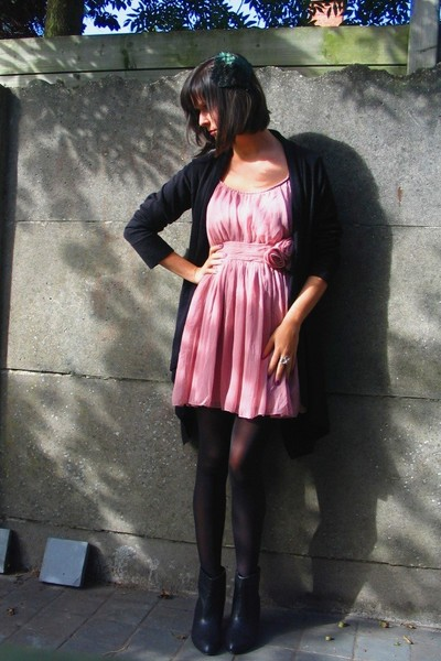 pink H&M dress - black boots - black H&M coat - black gb tights