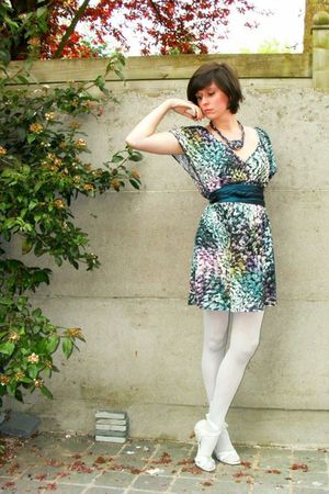 blue dress - silver tights - silver shoes - blue belt - blue necklace - silver a