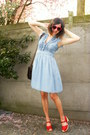Light-blue-dress-black-bag-red-clogs