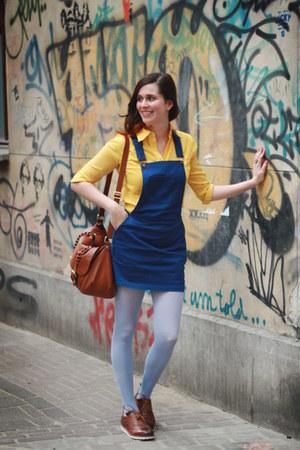 navy dress - yellow shirt