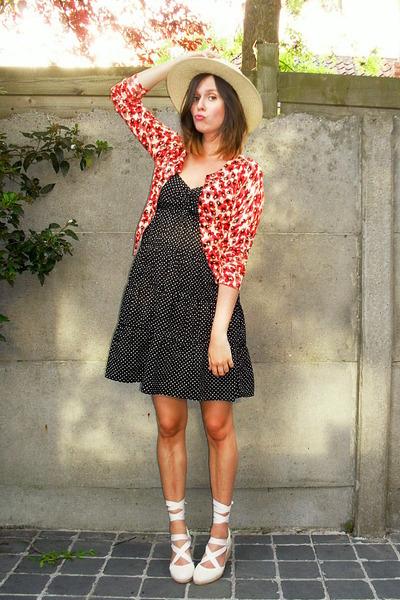 Black dress red wedges