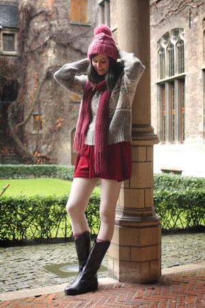 silver sweater - bubble gum hat - crimson skirt