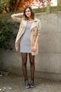 Tan-coat