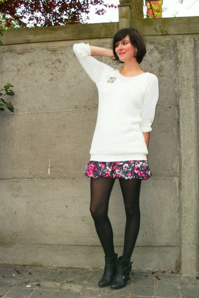 white sweater - pink skirt - black tights - gray boots - silver accessories