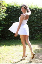 tan shoes - white dress - cream accessories