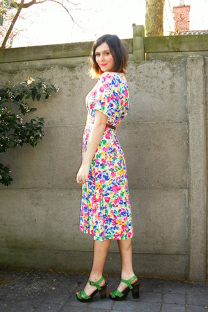 hot pink dress - chartreuse clogs