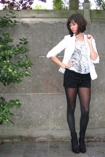 Mango blazer - Zara t-shirt - H&M shorts - Pimkie boots