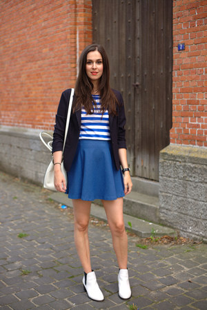 navy SOliver blazer - white sam edelman boots - navy asos skirt