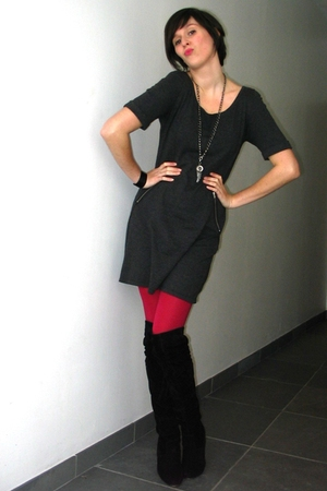 pink tights - black boots - gray dress - silver necklace - black bracelet - blac