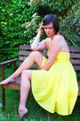 Yellow-dress-purple-shoes