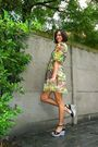 Yellow-dress-black-shoes