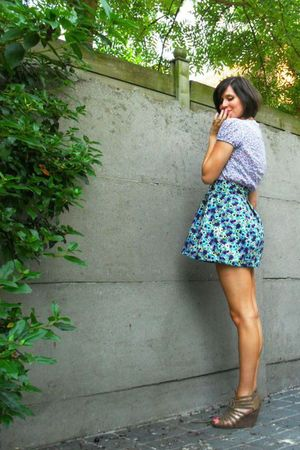 purple top - blue skirt - brown shoes - gold accessories