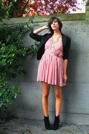 pink dress - black blazer - black boots - silver necklace