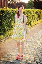 red clogs - yellow dress