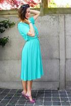 aquamarine dress - amethyst flats - carrot orange necklace