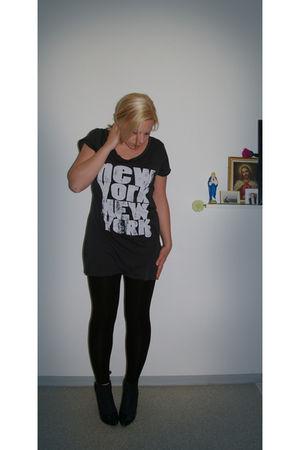 black H&M shoes - H&M leggings - H&M shirt