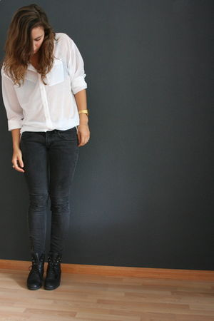 black H&M jeans - white H&M blouse - black vintage boots - gold casio accessorie