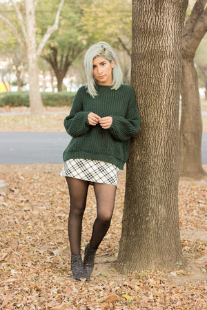 forest green pull&bear sweater - black glitter booties Zara boots