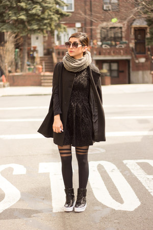 black dress - black coat - black Forever 21 socks - black sneakers