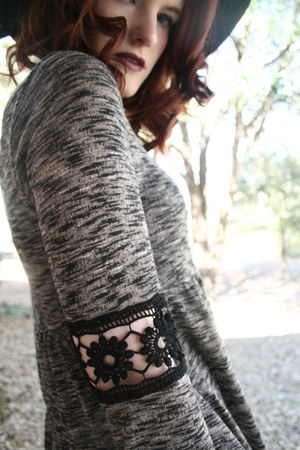 black wool JCPenney hat - hat - Target leggings - cotton top
