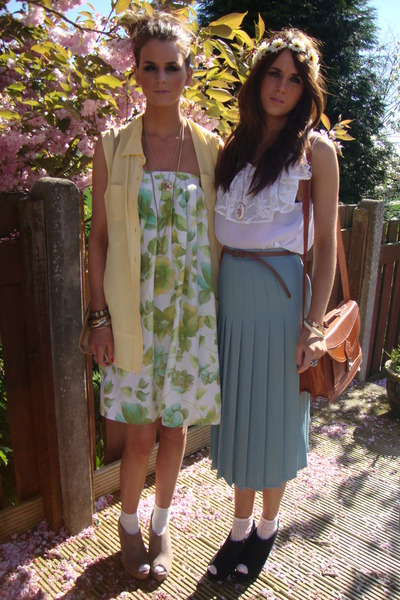 aquamarine vintage pleated Annie and the Mannequins skirt