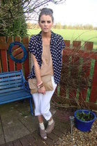 Annie and the Mannequins blouse - beige clutch Annie and the Mannequins bag