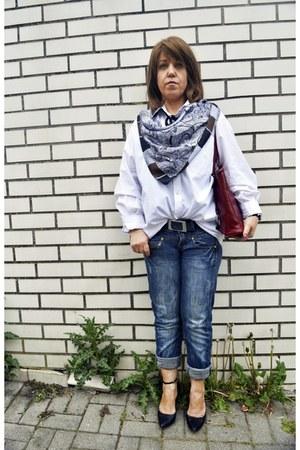 white westbury blouse - blue skinny G-Star jeans - brick red Verena Pelle bag