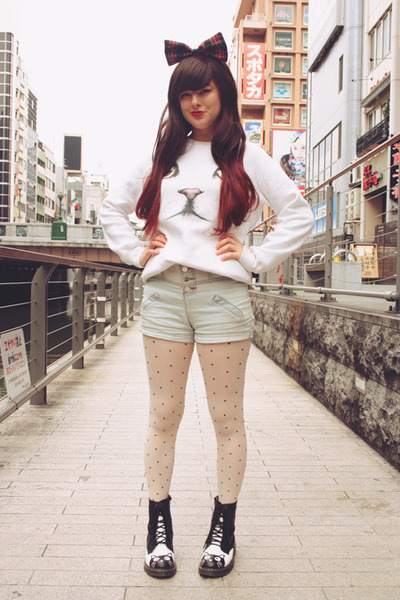white cat face romwe sweater - black cat face Koenji boots