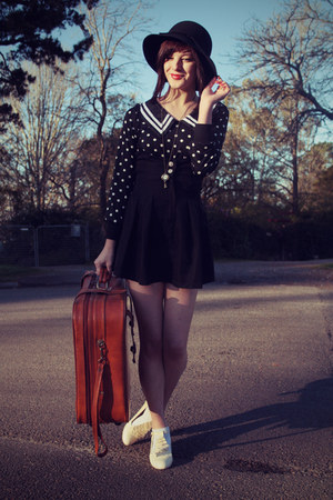 black wholesale blouse - black Rubi shoes hat - tawny vintage bag