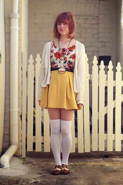 beige Dangerfield necklace - white Dangerfield socks - red Forever 21 blouse