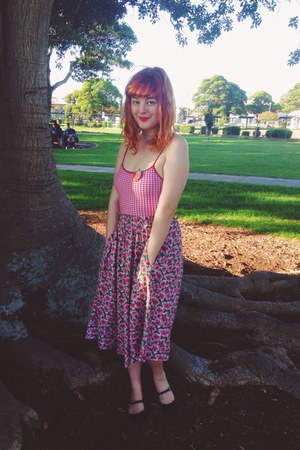 bubble gum vintage skirt