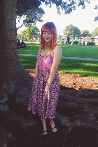 bubble gum vintage skirt