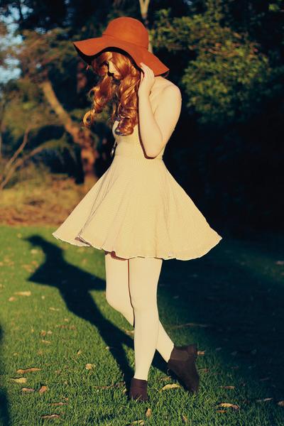 tawny no brand hat - peach polka dot lace vintage dress - white OASAP tights
