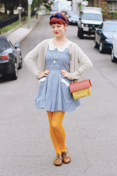 yellow house-shaped vintage bag - navy Bonne Chance dress - mustard Daiso tights