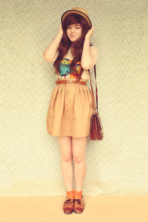 dark brown vintage bag - camel wholesale hat - carrot orange vintage socks