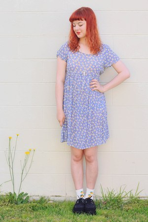 periwinkle thrifted dress - yellow pineapple markets socks