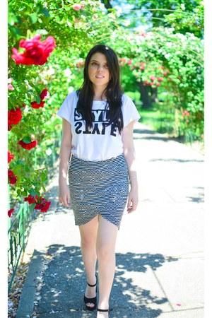 white Pimkie t-shirt - heather gray Vila skirt