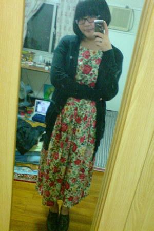 Secondhand dress - H&M sweater - Nine West heels